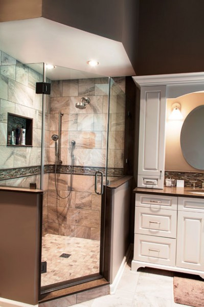 Hanna-Master-Bath-Shower-640-960×600