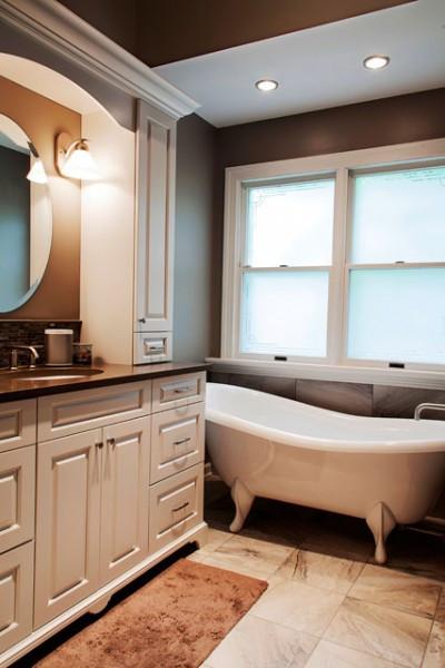 Hanna-Master-Bath-Tub-640-960×600